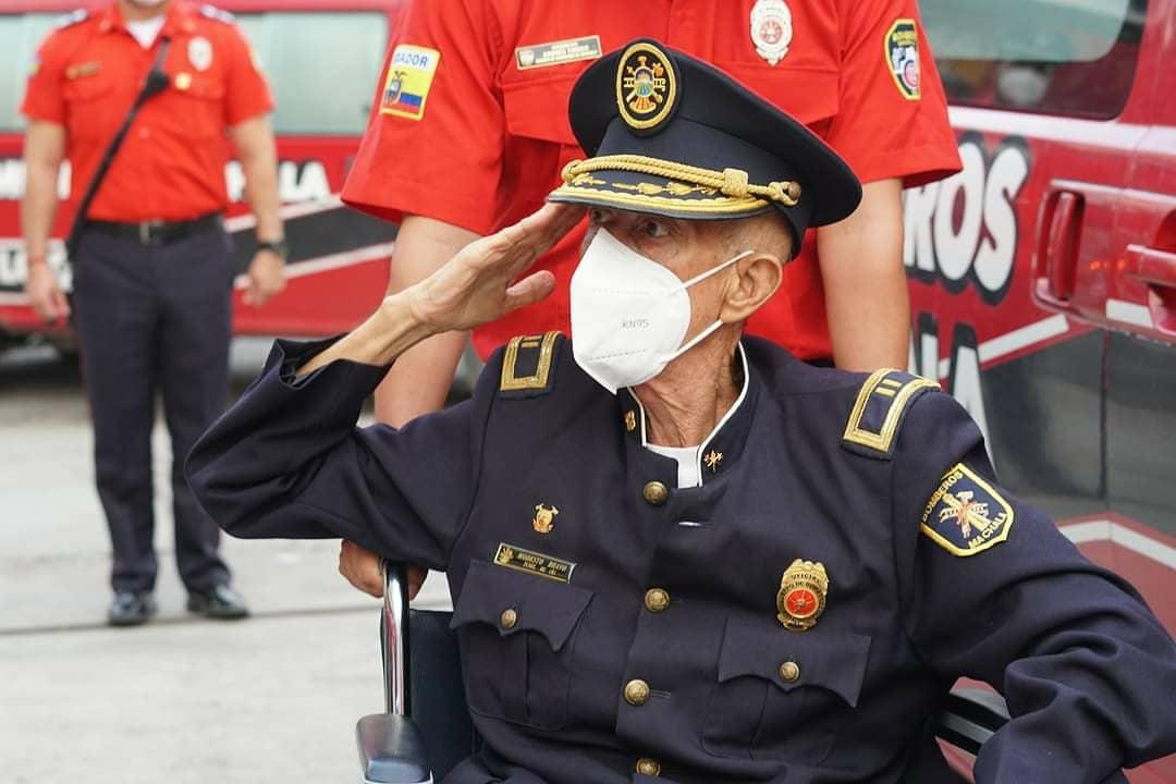 Por sus 27 años de trayectoria Cuerpo de Bomberos Municipal de Machala, rindió homenaje a   Modesto Bravo, Ex Jefe  de Bomberos de Puerto Bolívar