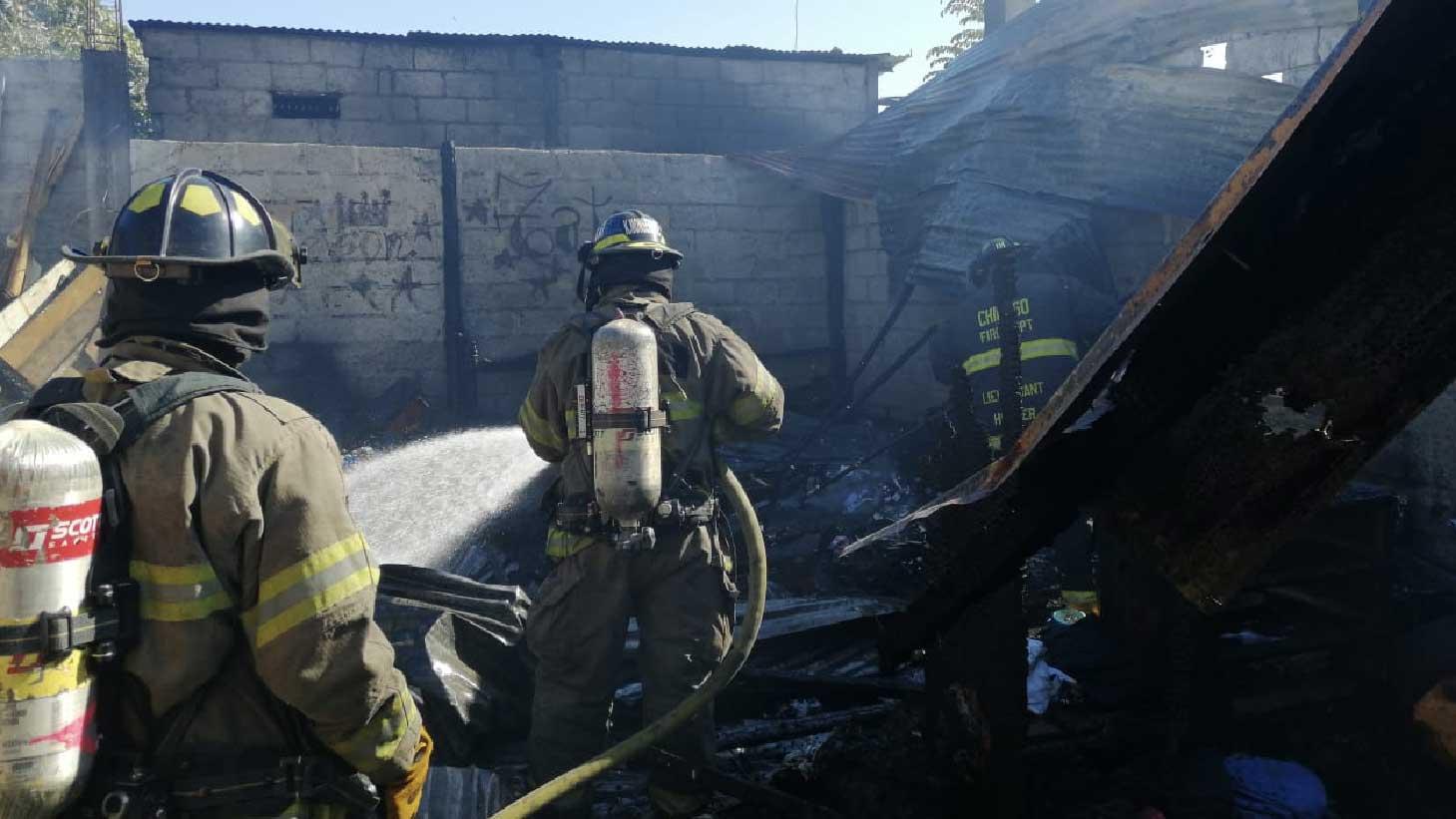 Incendio estructural en Urseza 2 fue atendido por Bomberos Machala